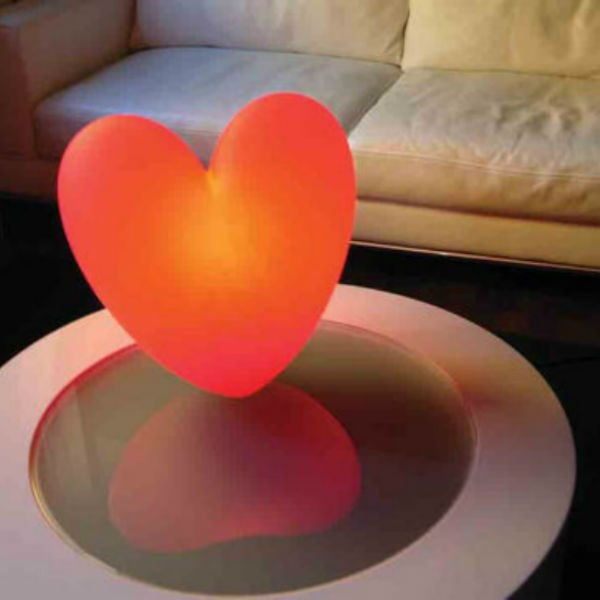 Slide c design lampe dambiance poser love for Objet a poser design